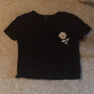 Black and white cropped rose T-shirt
